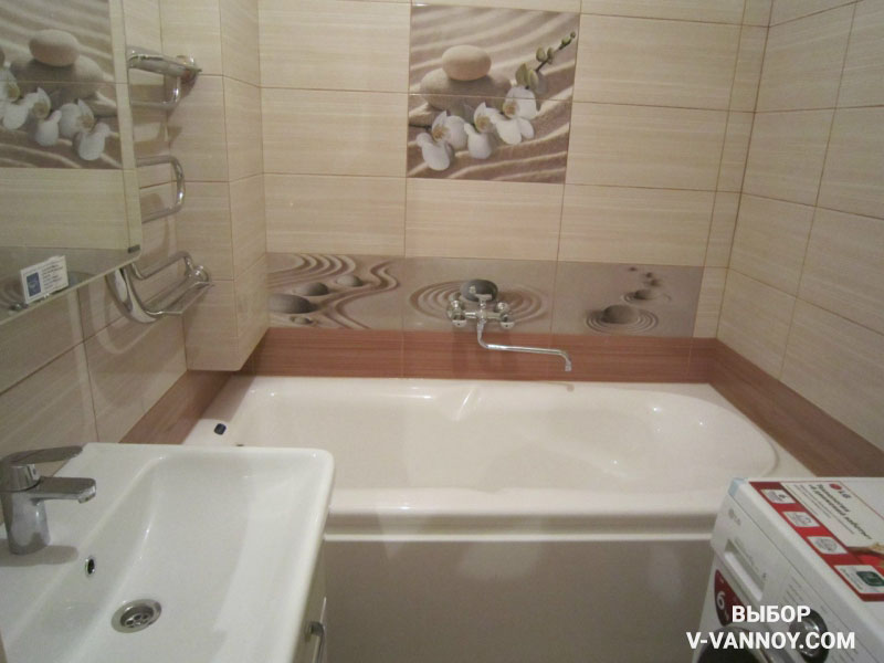 Нейтральная гамма в отделке позволит находиться с комфортом даже в небольшом пространстве ванной комнаты.