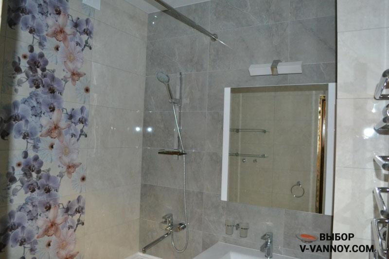 Песочно-серая ванная с орхидеями