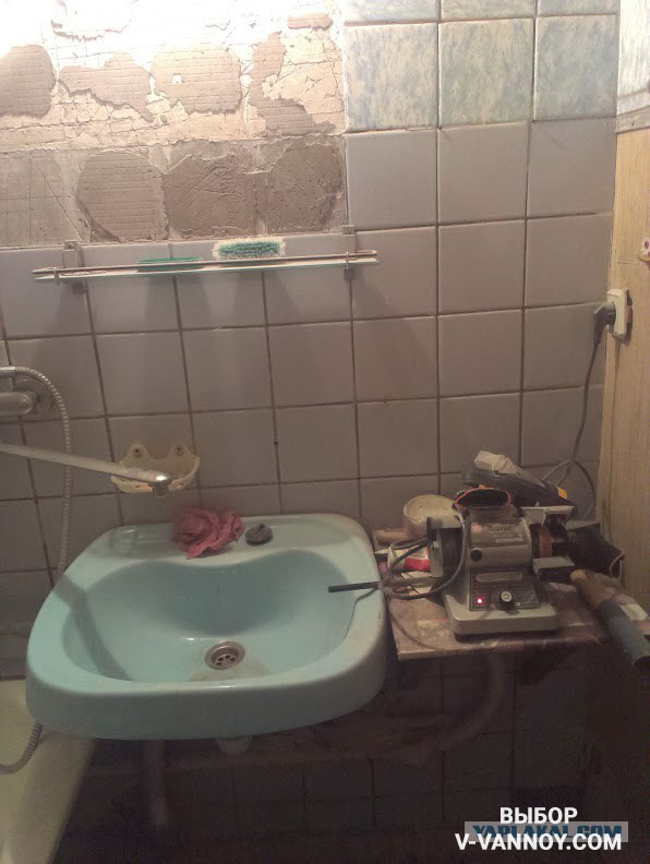 Старая бабушка в ванной фото 789-206