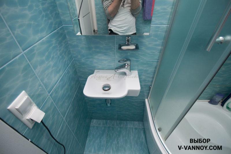 Светлые оттенки способствуют зрительному увеличению ванной 3 кв. м