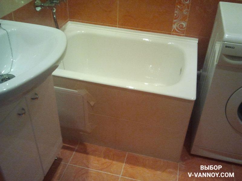 Для наполнения маленьких помещений выбирайте компактные модели сантехники. Сидячая ванна – отличный вариант для обустройства небольших комнат.