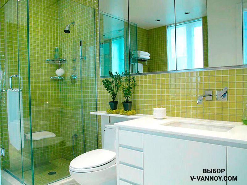 Душевая кабина с ограждением из стекла – идеальный вариант для миниатюрной комнаты в хрущевке.