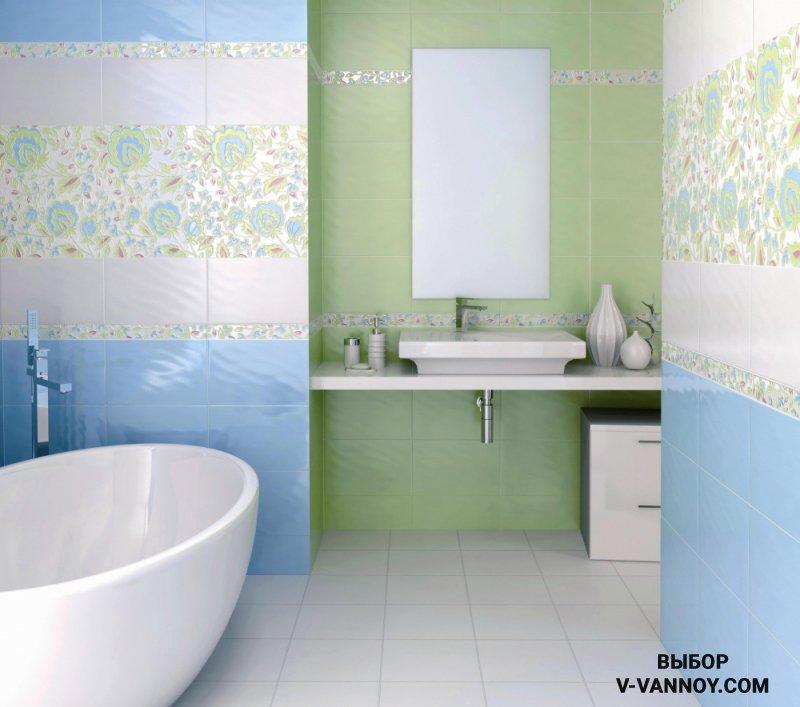 Молочно зеленый и голубой фон соединились в декоративных элементах. За счет пастельной гаммы и белой плитки по контуру, вставки не выглядят навязчиво.