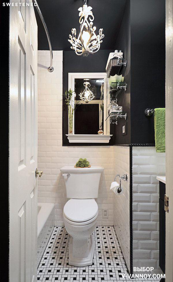 Потолок и часть стен выкрашены в черный, создавая эффект бесконечности в помещении.