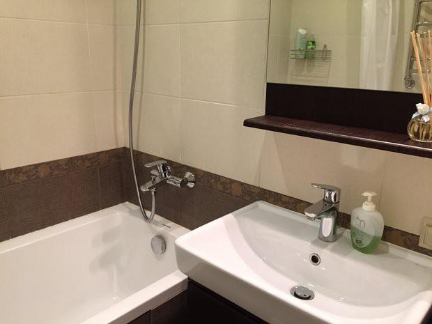 Бюджетная светлая ванная 2,25 кв.м со стиральной машиной