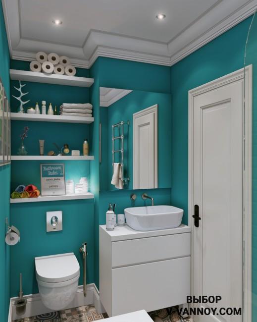 Пенополируретановые молдинги подходят не только для отделки стен в квартире, такой декор применяют даже в ванной комнате. Элементы можно выкрасить в любой цвет. В данном случае молдинги сделали белыми, на контрасте с насыщенными бирюзовыми стенами.