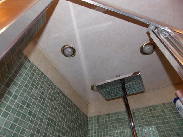 Ванная 2,5 кв.м с самодельной душевой, стиралкой - полная смета на ремонт